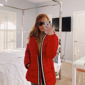 TOMMY HILFIGER RED PUFF JACKET